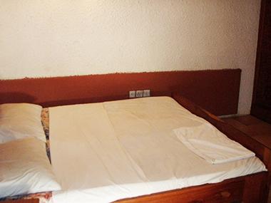 22.GAMBIA Bakau-Romana-Hotel-W-D425(ト,ホットシャワー付)