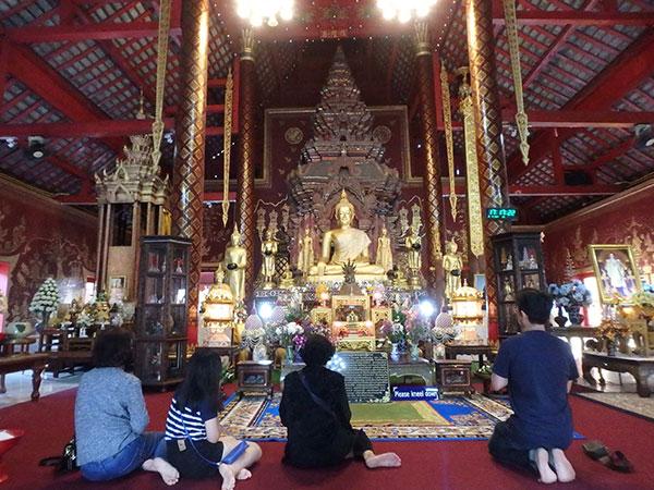 1296年に建てられた寺院ワット・チェン・マン (Wat Chiang Man)