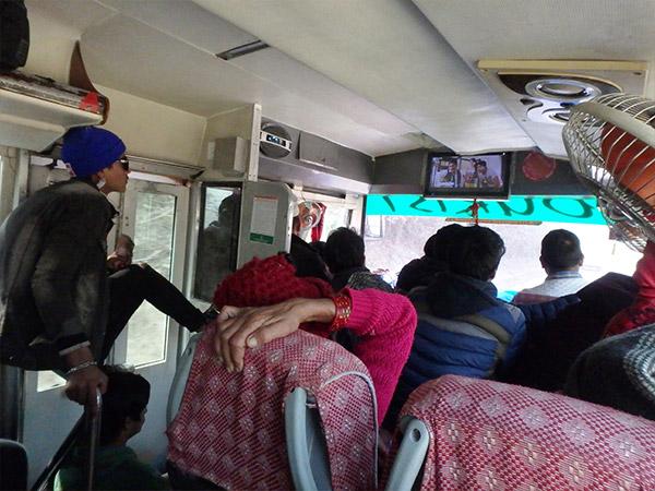 カトマンドゥからドゥムレへはローカルバスで約5時間
