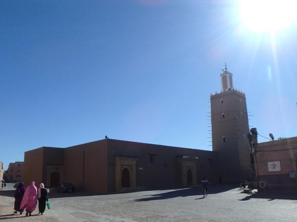 グラン・モスク。昼間は日差しがとても強い