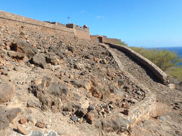 15世紀に初めてこの国にやって来たポルトガル人が最初につくった街、シダーデ・ヴェーリャにあるレアル・デ・サン・フィリペ要塞 Fortaleza Real de São Filipe