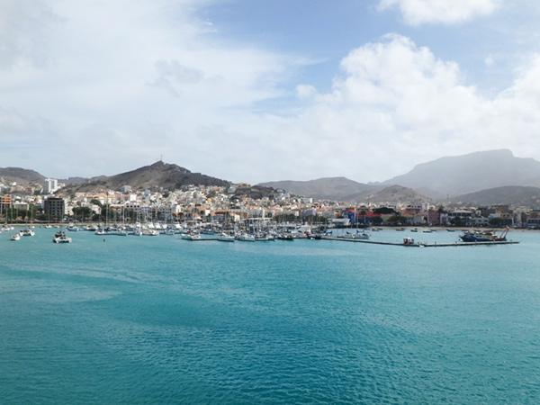 美しい港町、ミンデロ Mindelo