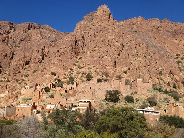 タフロウトの北、アメルン渓谷にある美しい村ウメスナト Oumesnate