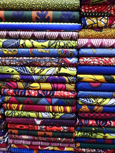 デザインが面白いカラフルなコットン素材の布パーニュ Pagne