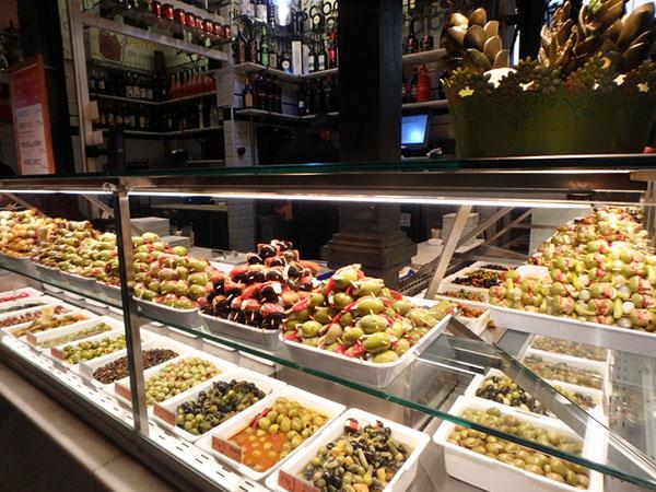 マドリッドでのお楽しみは食べ歩き♪お酒も安いです!