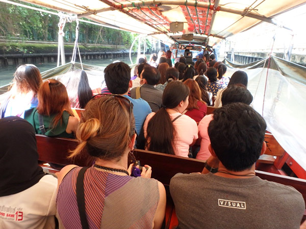 運賃が安い運河ボートと市バスは私たちの強い味方!