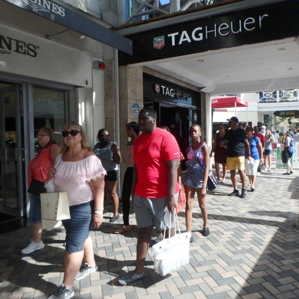 バハマはタックスフリーのショッピングを楽しむことが出来るリゾートアイランド