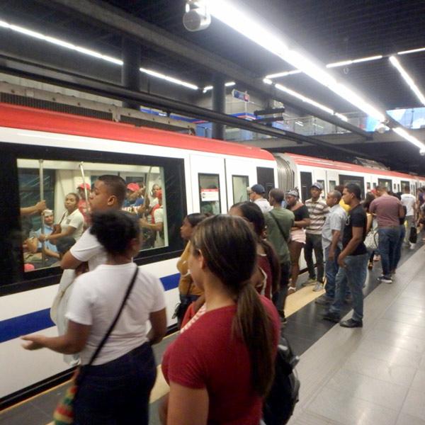 2009年に開通したカリブ海唯一の地下鉄 Santo Domingo Metro