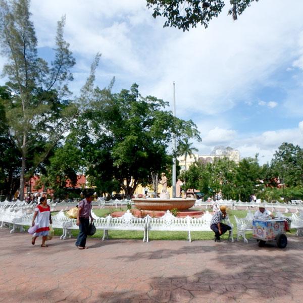 町の中心にある広場、ソカロ