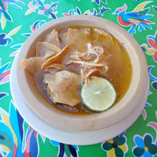 さっぱり味で美味しい、ソパ・デ・リマ Sopa de Lima 55ペソ(約320円)