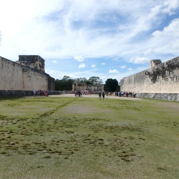 宗教儀式として競技が行われていた球戯場 Juego de Pelota
