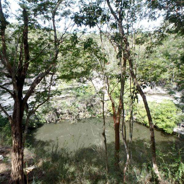 生け贄が投下されていた聖なる泉セノーテ Cenote Sagrado