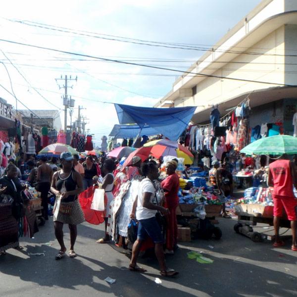 ダウンタウンのマーケット