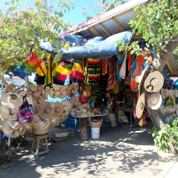 ゆる〜い雰囲気のハーバー・ストリート・クラフトマーケット Harbour Street Craft Market
