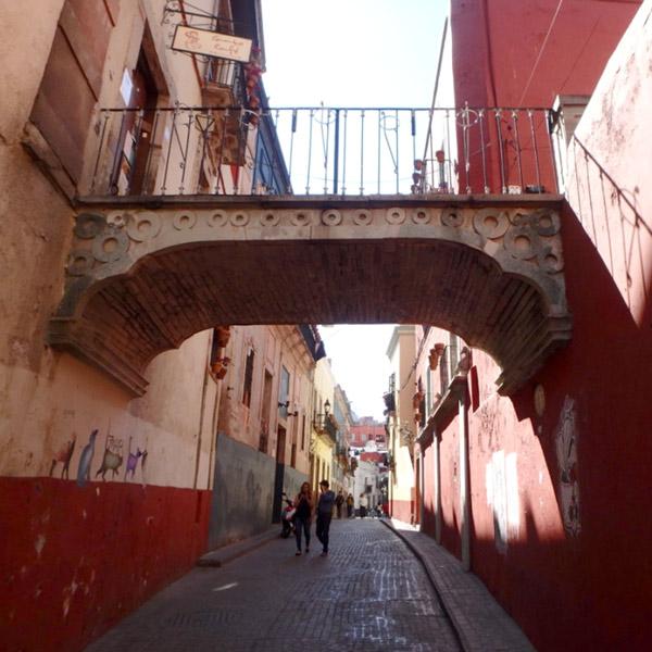 グアナファトはフォトジェニックな町。中世の様な雰囲気の街中をあちこち散策しました♪